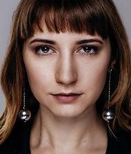Nadja Bilek Holymesh OMR18