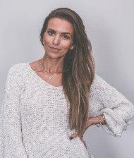 Luana Theodoro da Silva Lookfamed Influencer Marketing Corona OMR