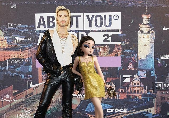 Noonoouri und Bill Kaulitz bei den About You Awards