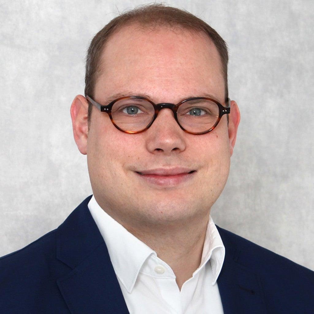 Dr. Simon Menke
