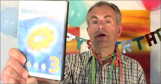 Anlässlich seines Geburtstags pries Rolf Hilchner in einem Youtube-Video Ashampoo-Software zum Sonderpreis an