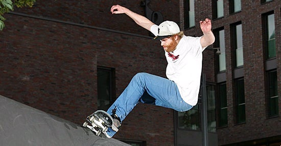 Der mehrfacher deutsche Skateboard-Meister Richie Löffler zeigt auch beim Rockstars Festival sein Können.